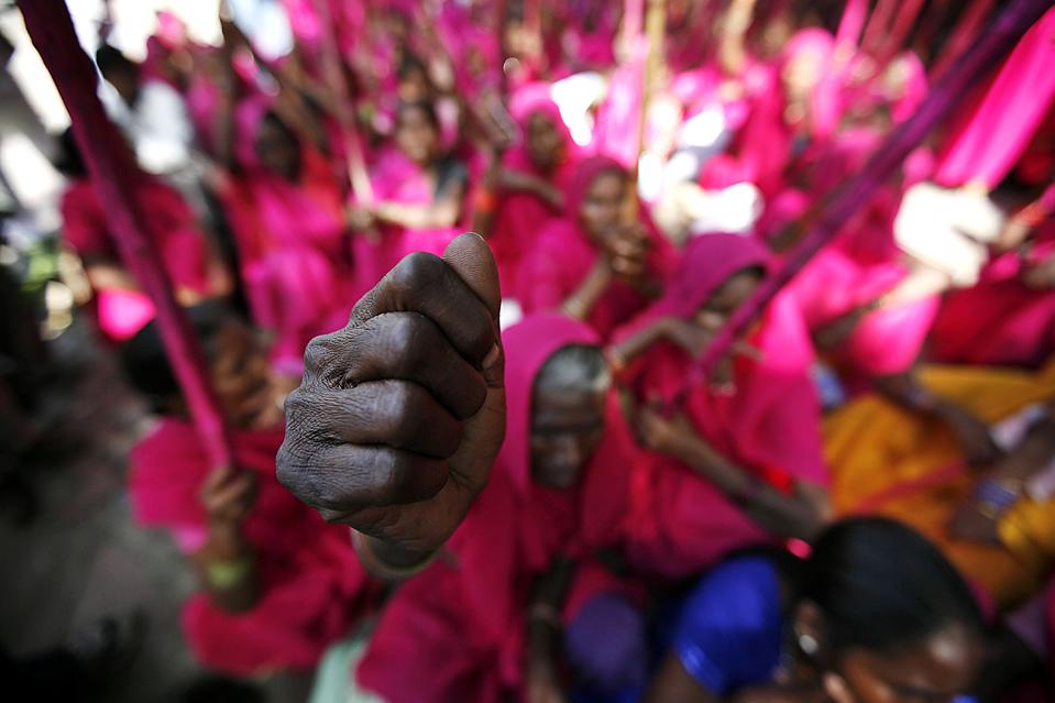 APTOPIX India Pink Women