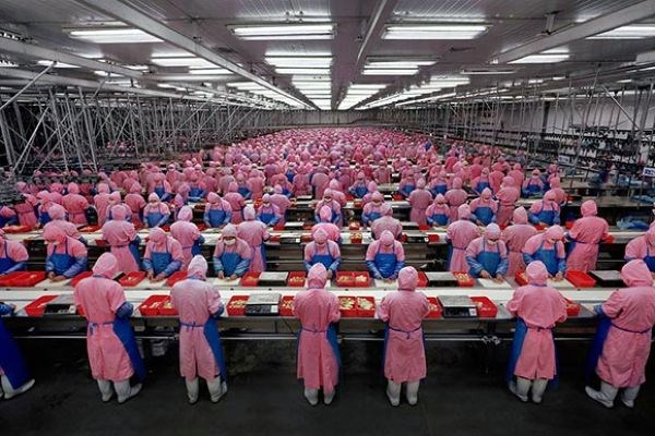 Manufacturing assembly line in China