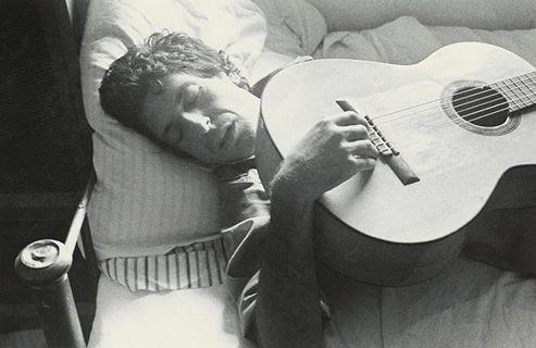 leonard-cohen-montreal-1973-photo-ralph-gibson